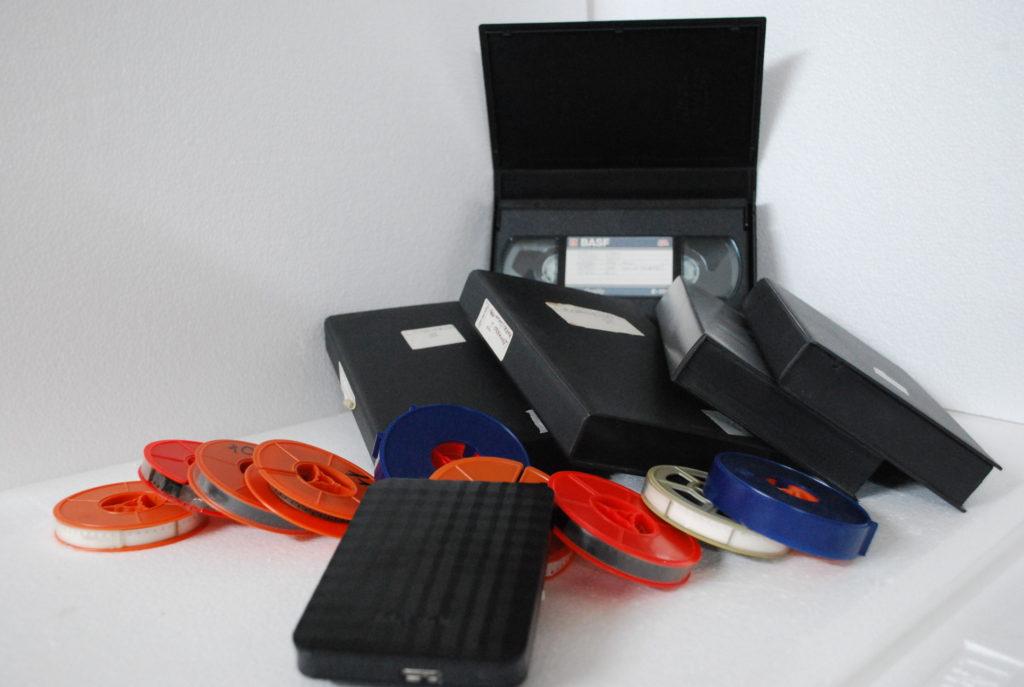 Trasferimento in digitale di videocassette vhs e pellicole super8 su hard disk esterno nel formato AVI e MP4